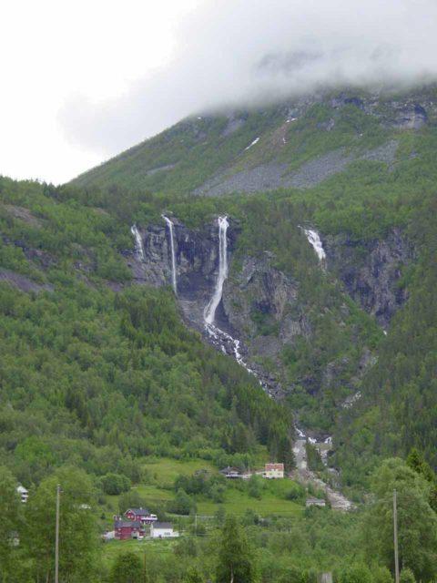 Jostedalen_006_06282005 - Geisfossen in Jostedalen