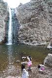 Jump_Creek_Falls_073_04032021 - The girls dropping rocks into the plunge pool of Jump Creek Falls