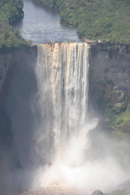 Kaieteur_038_08312008 - Aerial view of Kaieteur Falls revealing its entire context