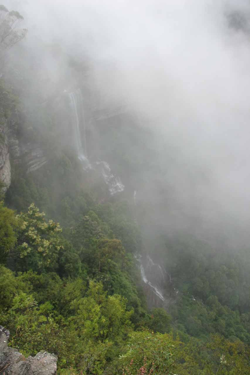 This was our first look at Katoomba Falls when the clouds finally started to rise from the lookout during our November 2006 visit
