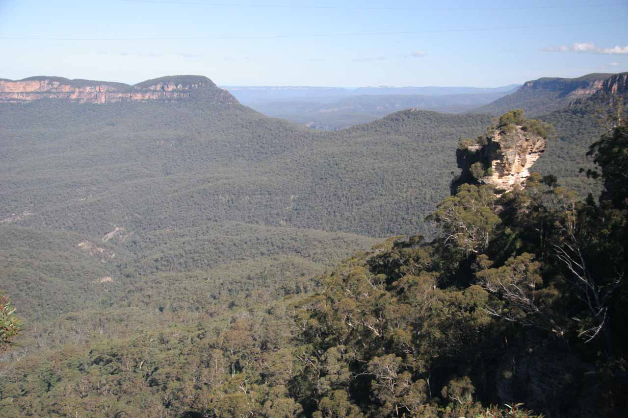 The expansive panorama from the Katoomba Falls Lookout