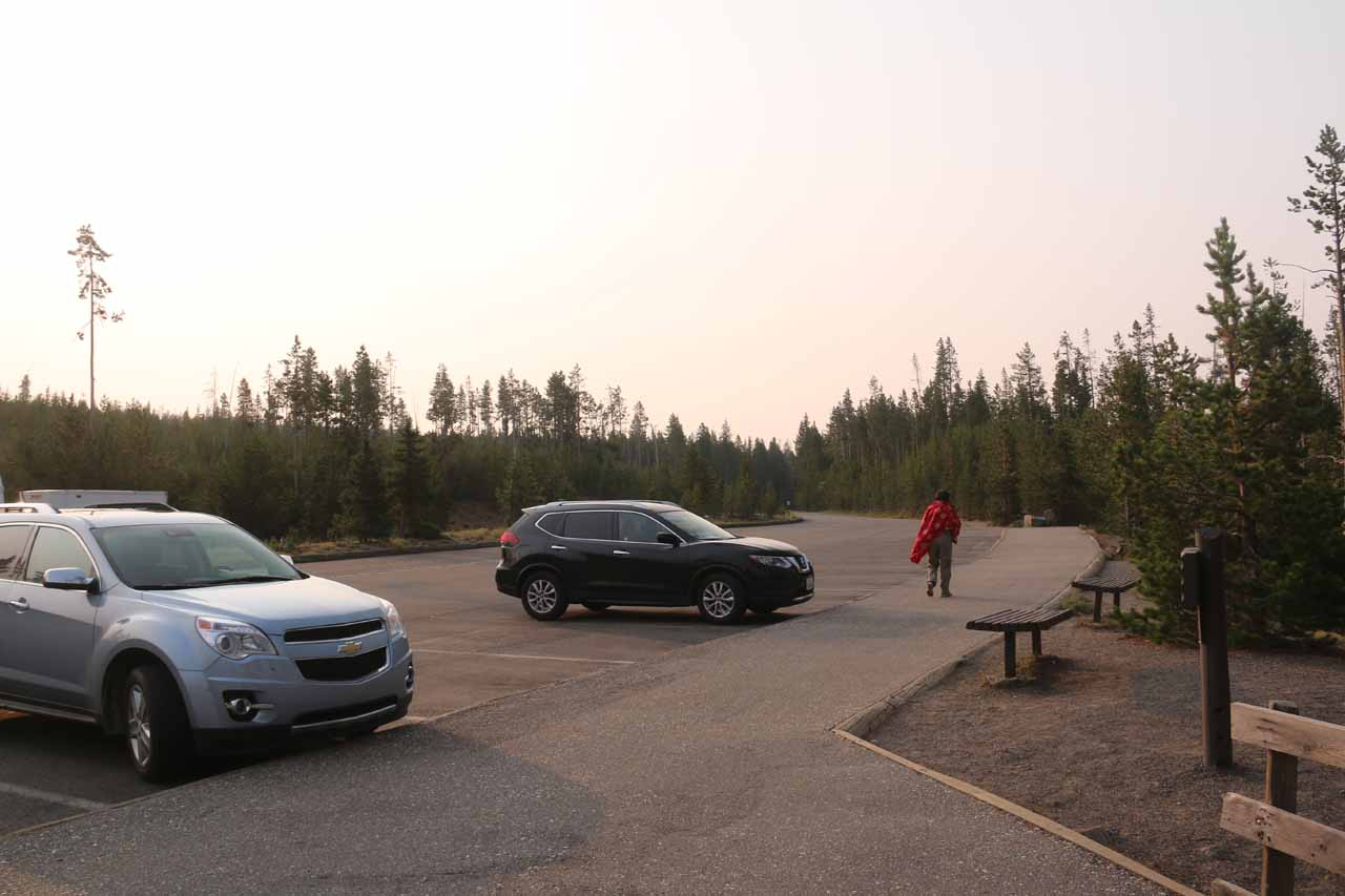 The spacious parking lot for the Kepler Cascades