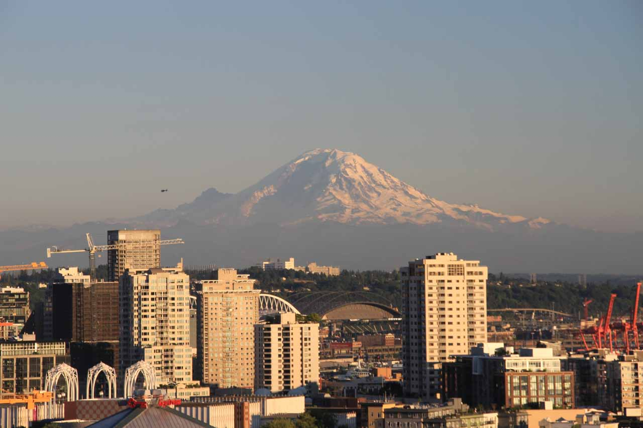 Twin Falls was probably about an hour or less drive east of Seattle, which itself was a beautiful city, especially on a clear day like today when we saw Mt Rainier from Kerry Park