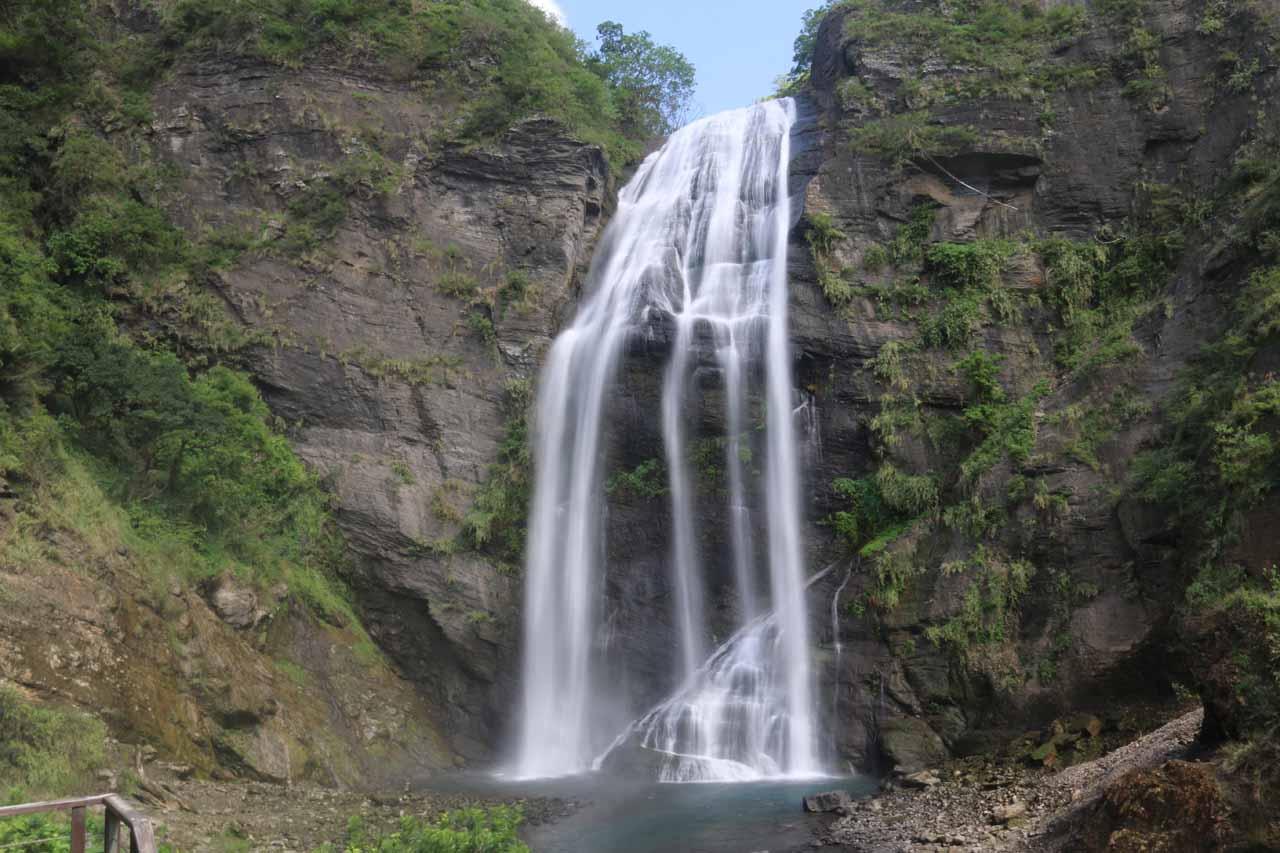 Finally at the impressive Kayoufeng Waterfall