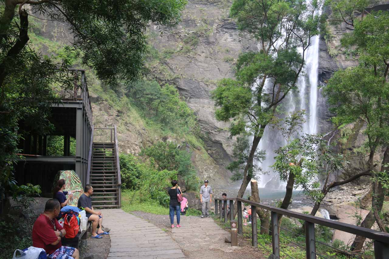Another look at the spot where most people were checking out the Kayoufeng Waterfall