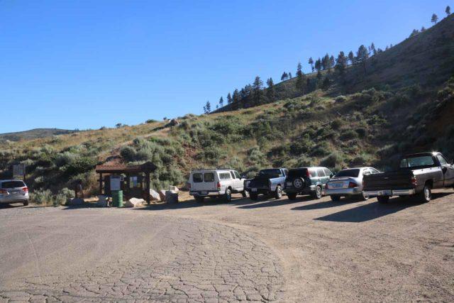 Kings_Canyon_Falls_002_06212016 - Trailhead parking for the Kings Canyon Falls