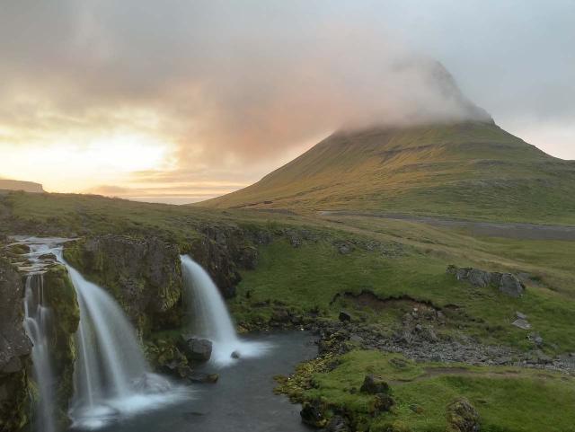 Kirkjufellsfoss_sunset_005_iPhone_08172021 - Grundarfoss was quite close to the very popular Kirkjufellsfoss Waterfall with Mt Kirkjufell