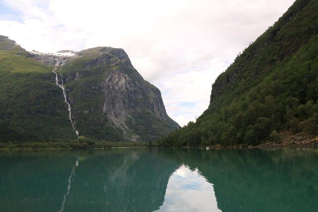 Kjenndalsbreen_236_07192019 - Ramnefjellsfossen and the head of the lake Lovatnet