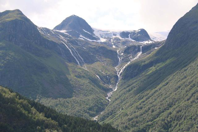Kjenndalsbreen_348_07192019 - Focused on the cascades at the head of Nesdal Valley (Nesdalen), but depending on the map's zoom, Norgeskart actually called the river through this valley Utigardselva instead of Inigardselva!