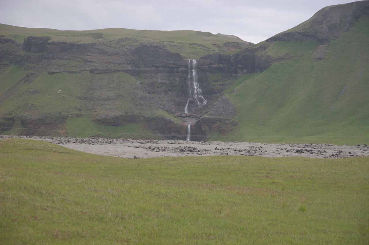 On the Ring Road between the turnoff for Fjaðrargljúfur (or Laki for that matter) and Kirkjubæjarklaustur, we noticed this interesting waterfall