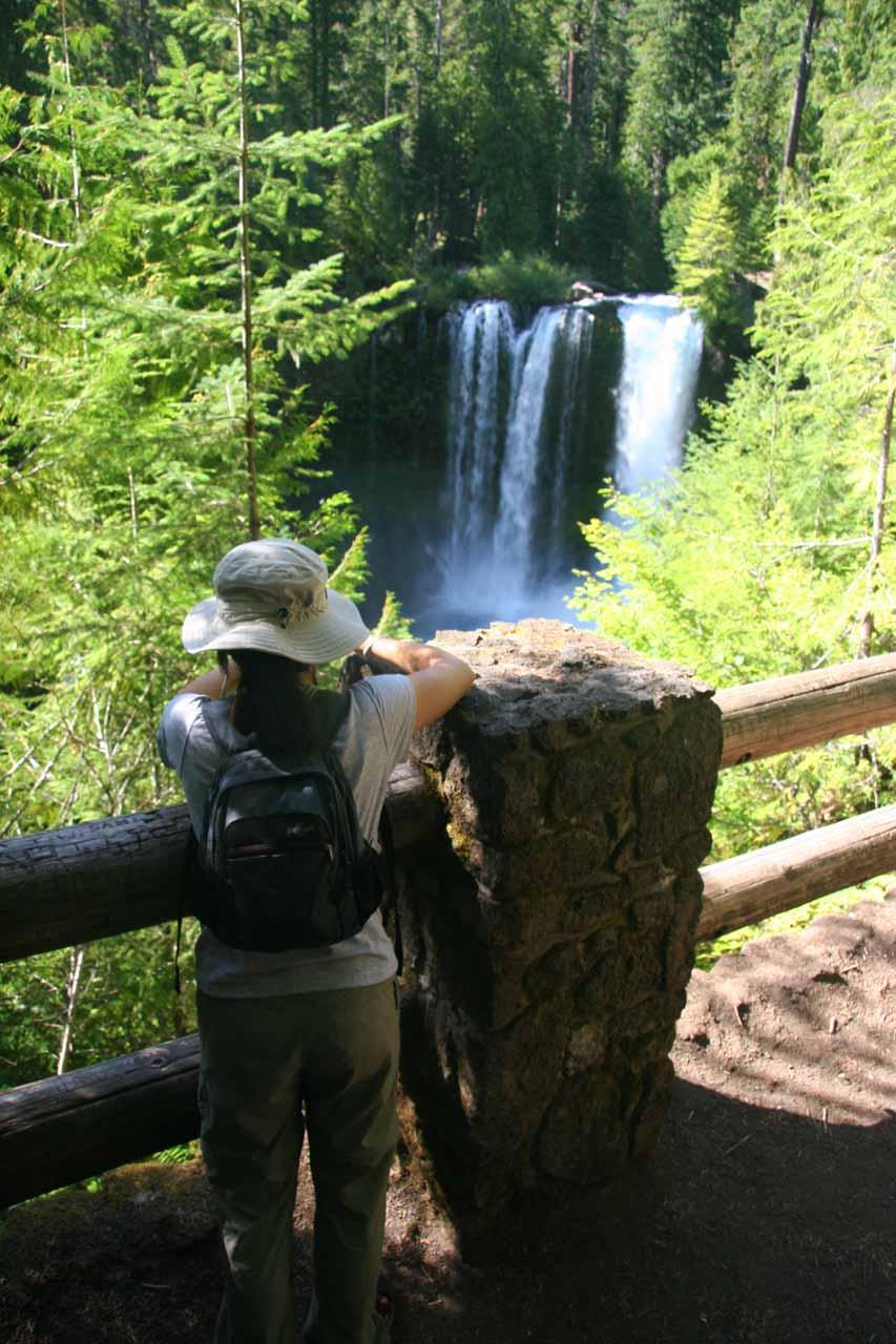 Context of Julie checking out Koosah Falls