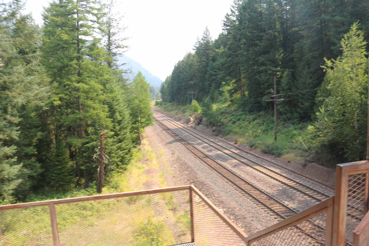 Looking towards the railroad that I had just crossed