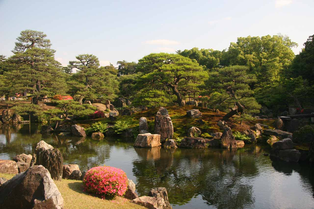 The Japanese pond and garden around the Nijo-jo Castle
