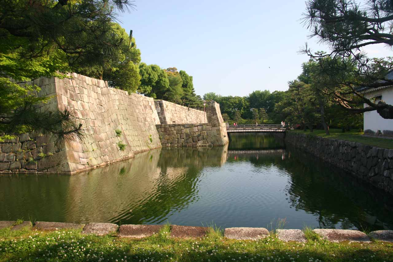 The moat outside the Nijo-jo