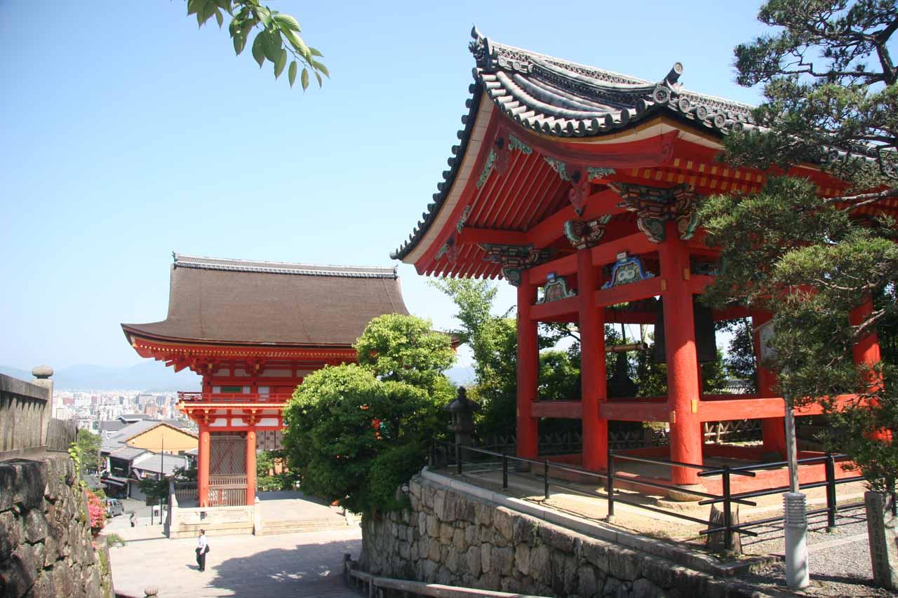 Fancy buildings at Kiyomizu-dera
