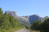 Kystriksveien_416_07082019 - A very interesting flat-topped mountain on the Kystriksveien between Agskardet and Jektvik