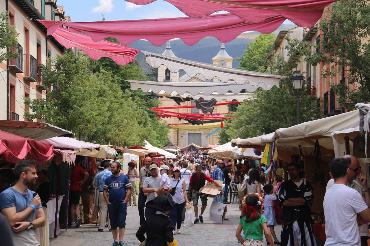 Stumbling upon the atmospheric Mercado Barroco in La Granja de San Ildefonso