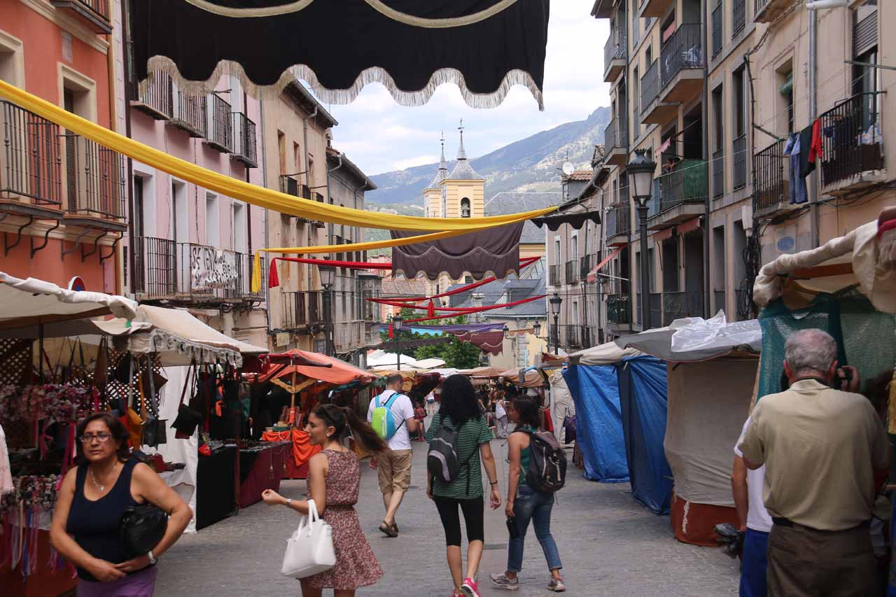 Continuing to walk on the Calle de la Valenciana en route to the Real Sitio de San Ildefonso