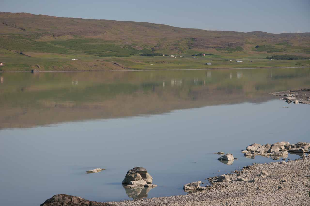 About 30km further to the south is the town of Egilsstaðir, which was at the mouth of the lake on Lagarfljót, which can produce reflections like what is shown here