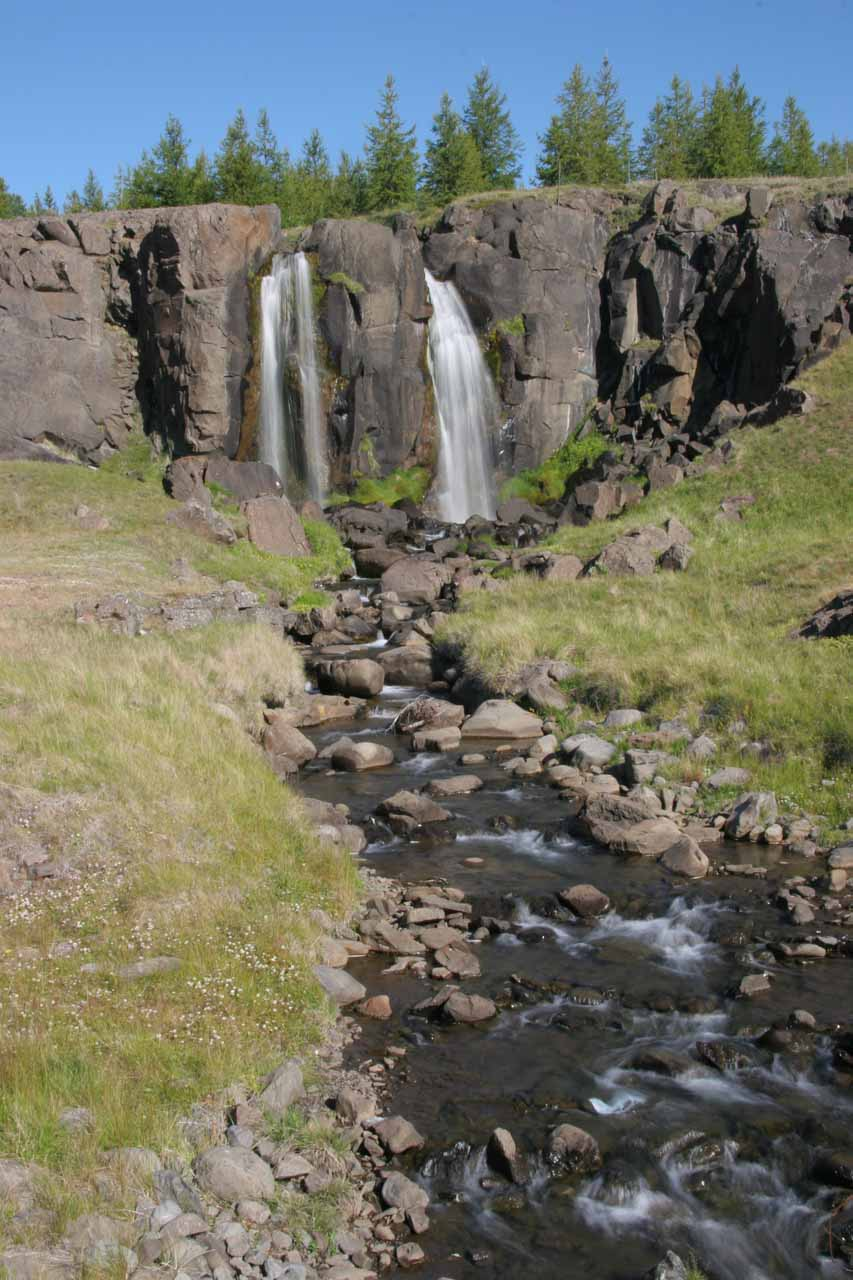 We noticed this small roadside waterfall just east of the car park for Hengifoss