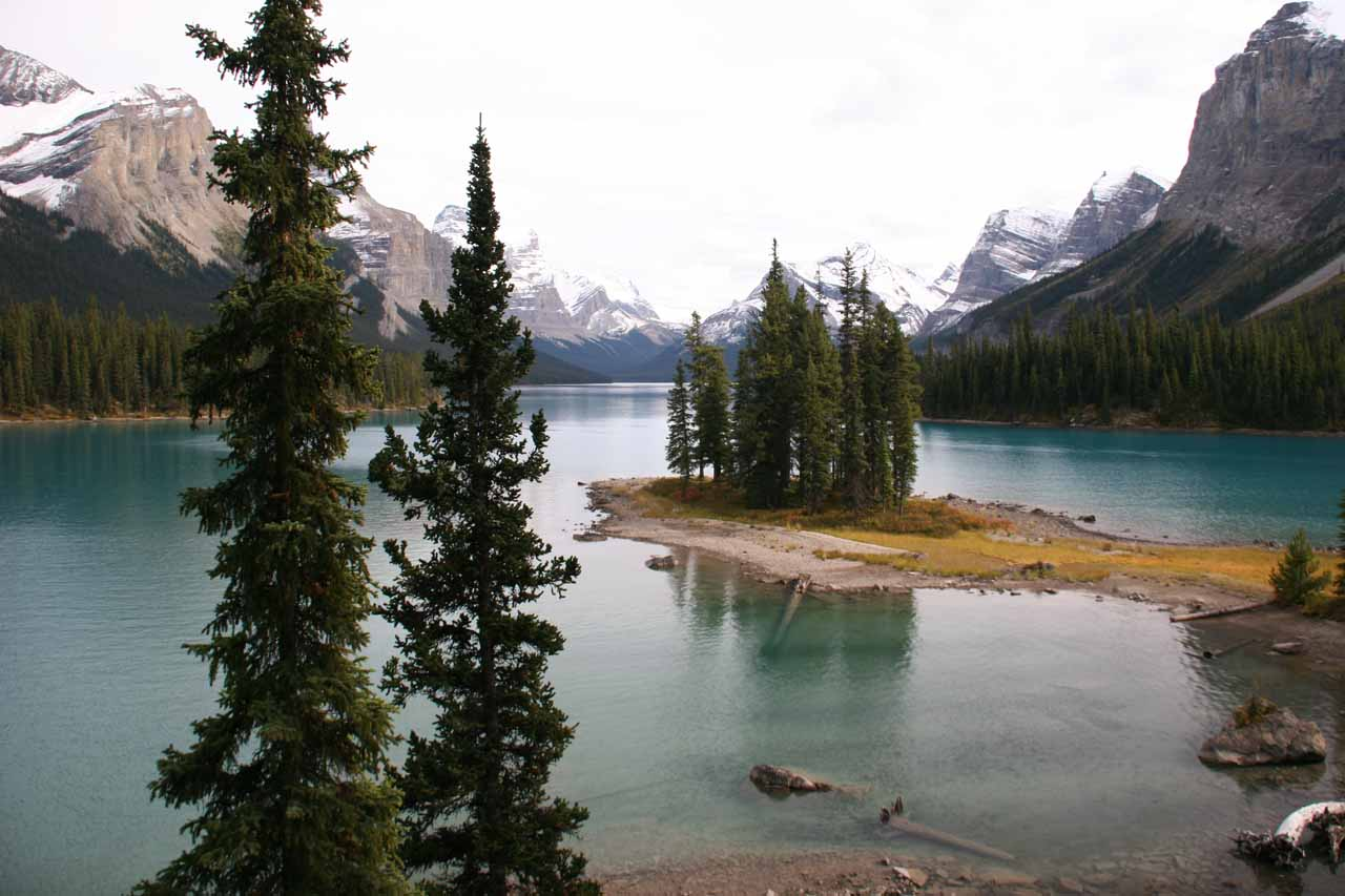 Also not far from Athabasca Falls to the north was the beautiful Lake Maligne in Jasper National Park
