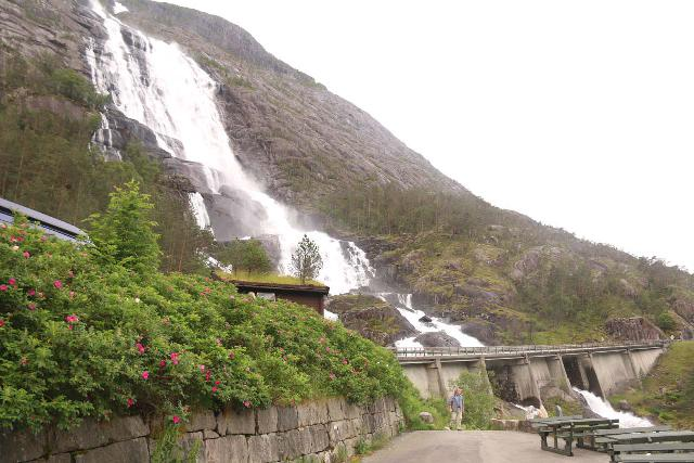 Langfossen_016_06232019 - Looking up at Langfoss from the picnic area and rock exhibit on our most recent visit in June 2019