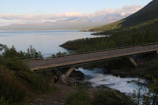 Lappland_020_07072019 - Looking over the road bridge spanning Rakkasjokk and the southern shores of Lake Torneträsk towards Lapporten