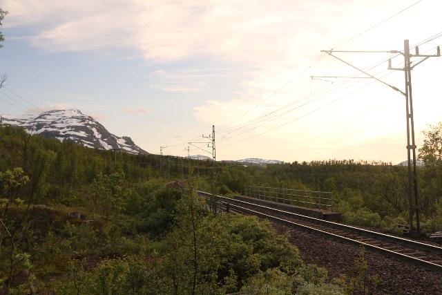 Lappland_199_07072019 - Looking back across the railroad tracks on the way up to the Loktajohka Waterfall