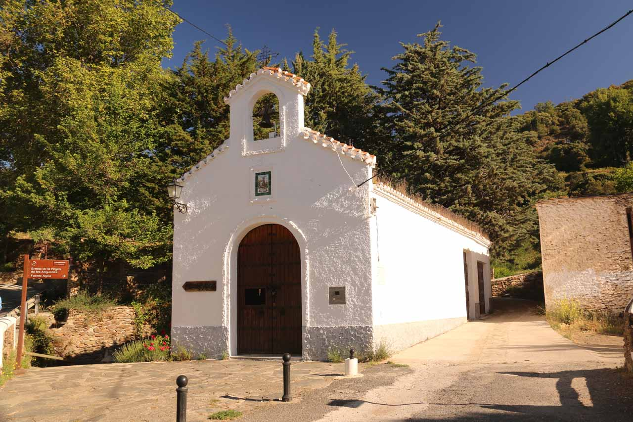 This was the church just to the east of Pórtugos where we parked the car and checked out the Fuente Agria