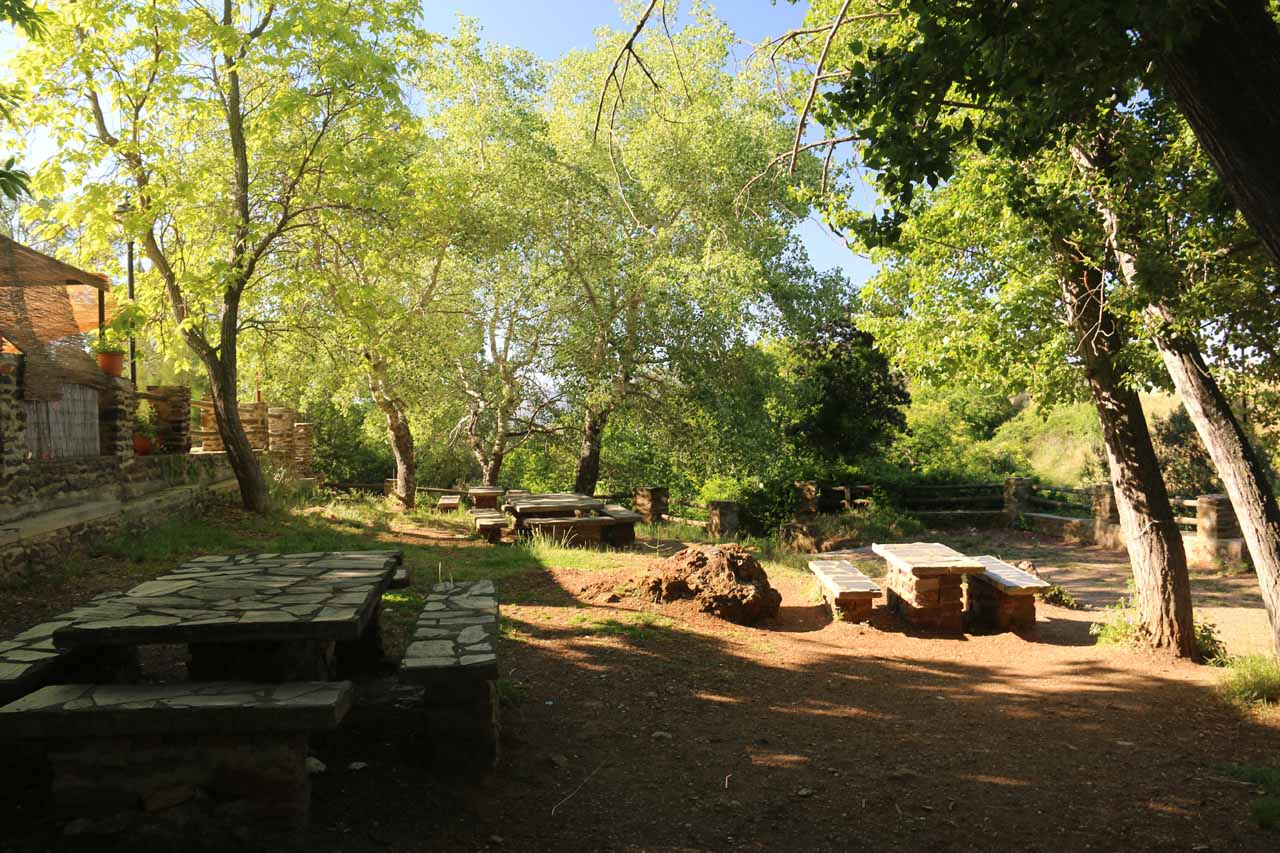 Passing through a small picnic area on the way down to the Fuente Agria