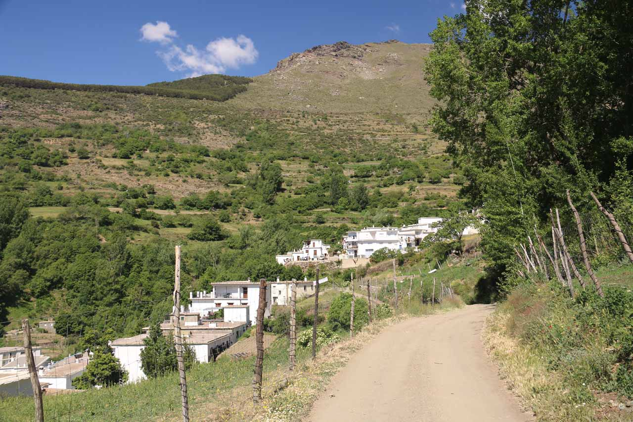 Cutting across a less developed part of Travelez in search of a mirador