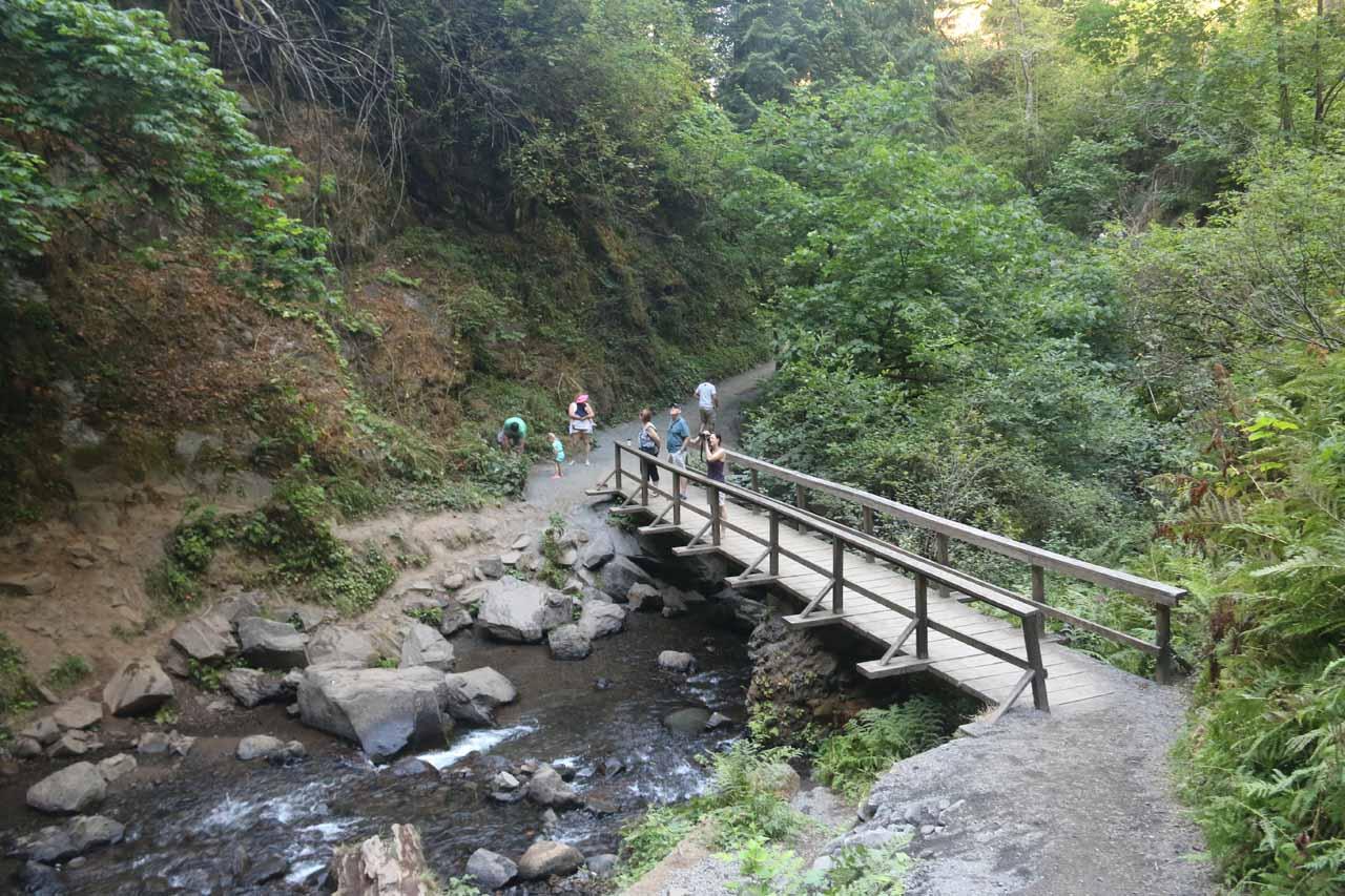 Descending to the footbridge traversing Latourell Creek