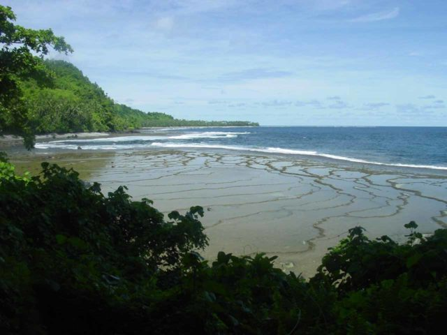 Lavena_Coastal_Walk_018_12312005 - Tidal flats seen along the Lavena Coastal Walk in Taveuni