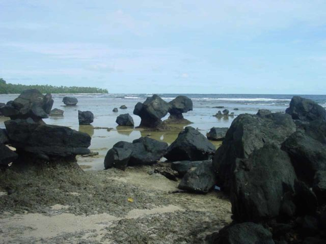 Lavena_Coastal_Walk_024_12312005