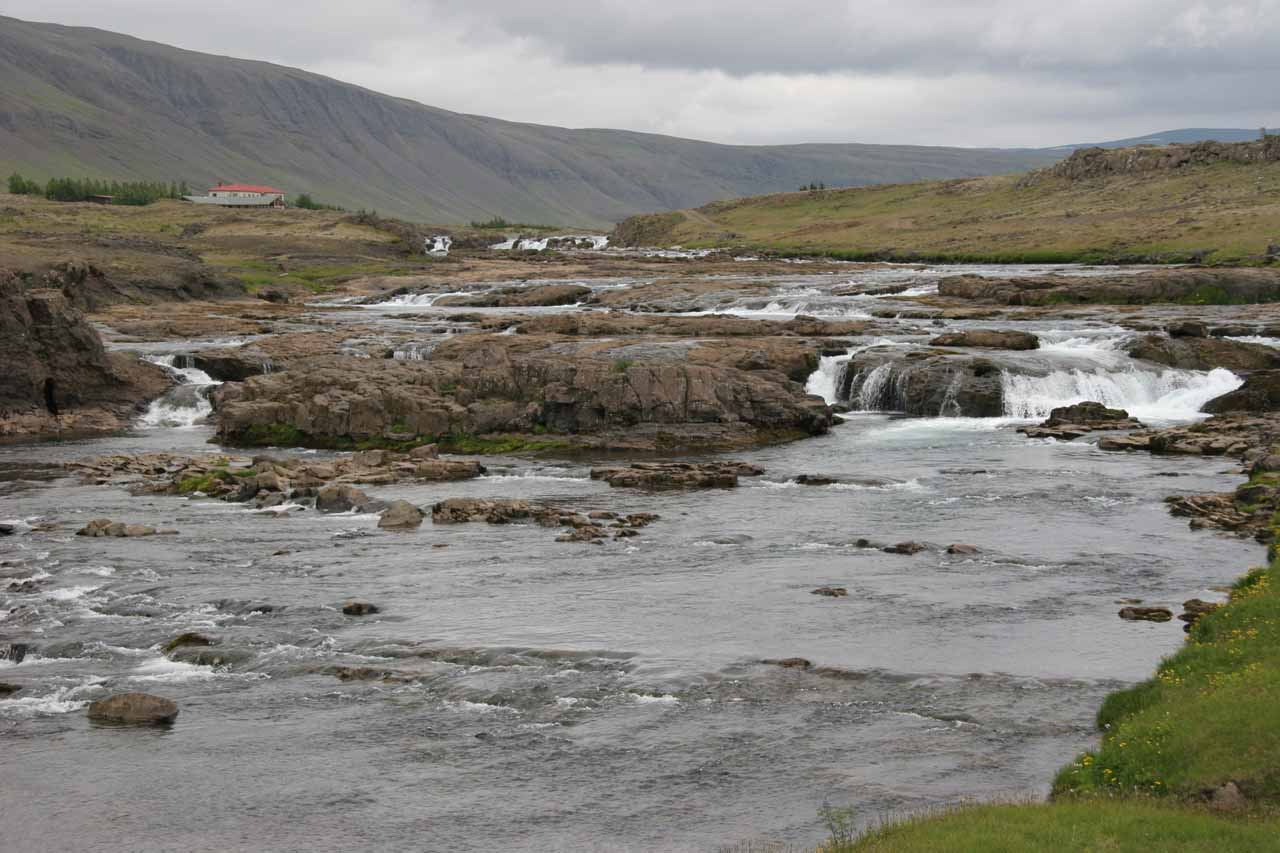 Þórufoss is on the Laxá í Kjós River, which is said to be great for salmon fishing.  The waterfall is perhaps the largest of the many rapids and cascades that run towards Hvalfjörður to the north