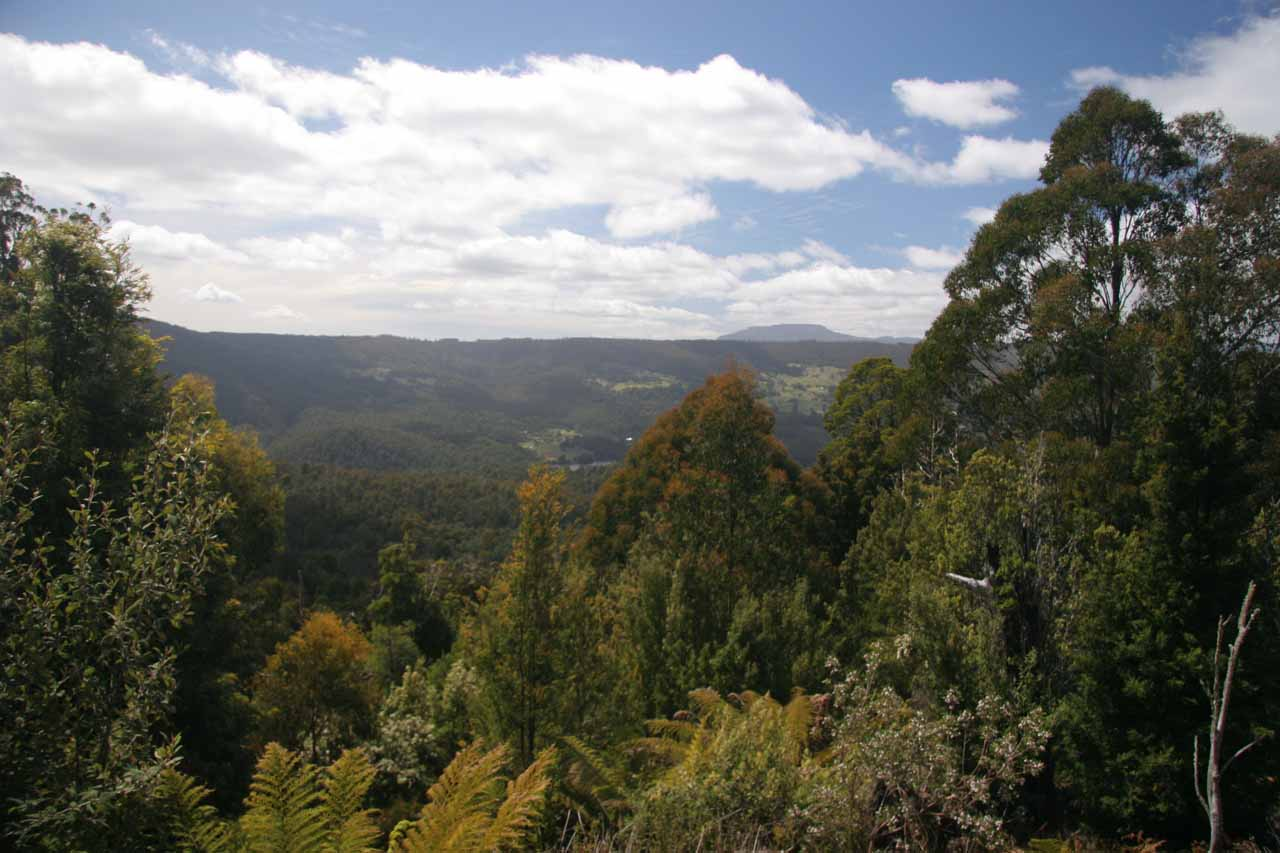 This was the attractive view from the lookout near the start of the hike at the Lemonthyme Lodge from back in late November 2006. This view was mostly overgrown when we came back 11 years later
