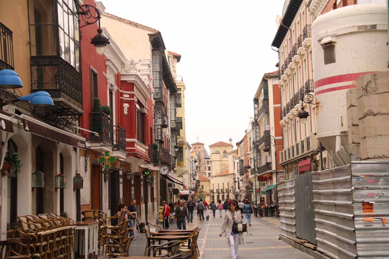 Looking back at the Calle Ancha from somewhere near the Catedral in Leon