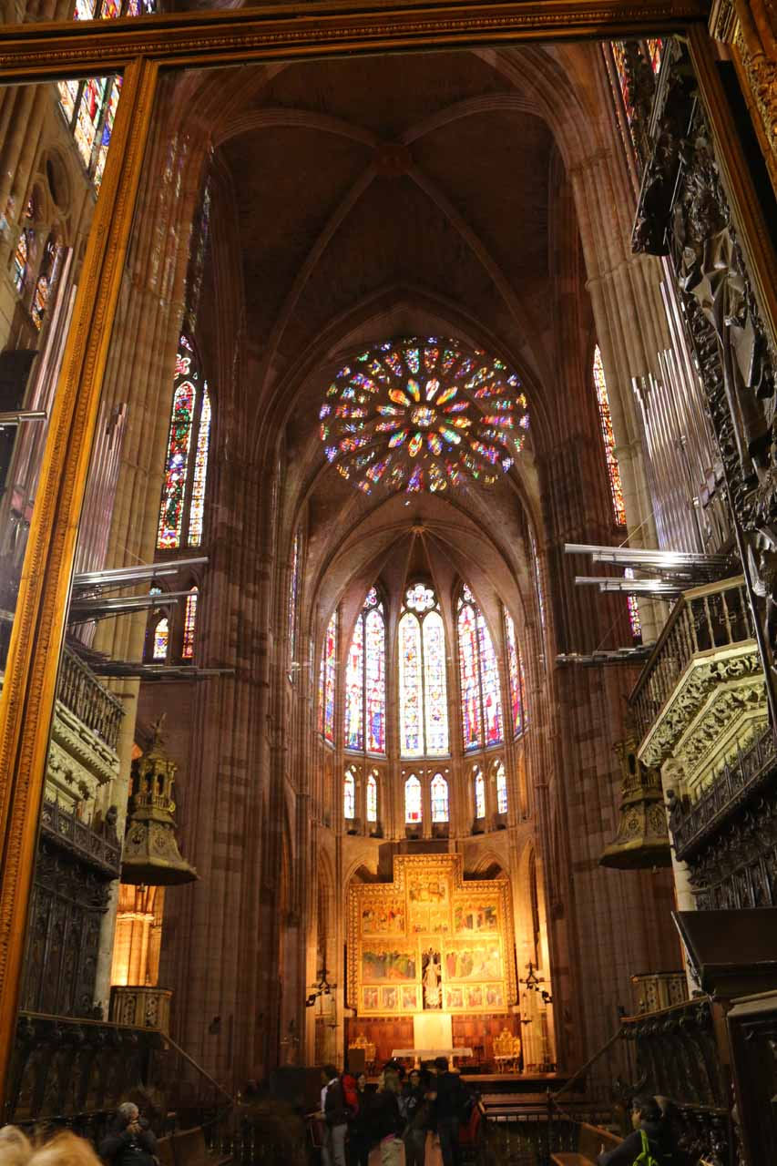 Looking at the main altar of the Catedral de Santa Maria in Leon