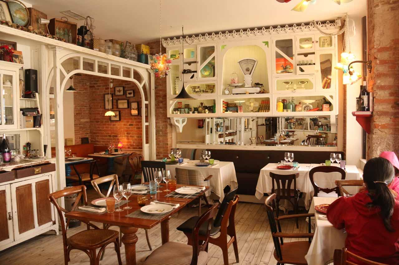 Inside the Restaurante La Trastienda in Leon