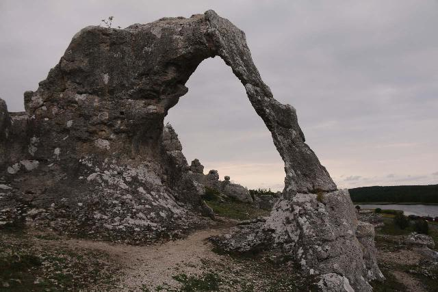 Lergrav_024_07312019 - While on Gotland, we managed to drive out to Lergrav after visiting Fårö (though the wait for the ferry really sucked) and experienced an interesting natural arch like this one
