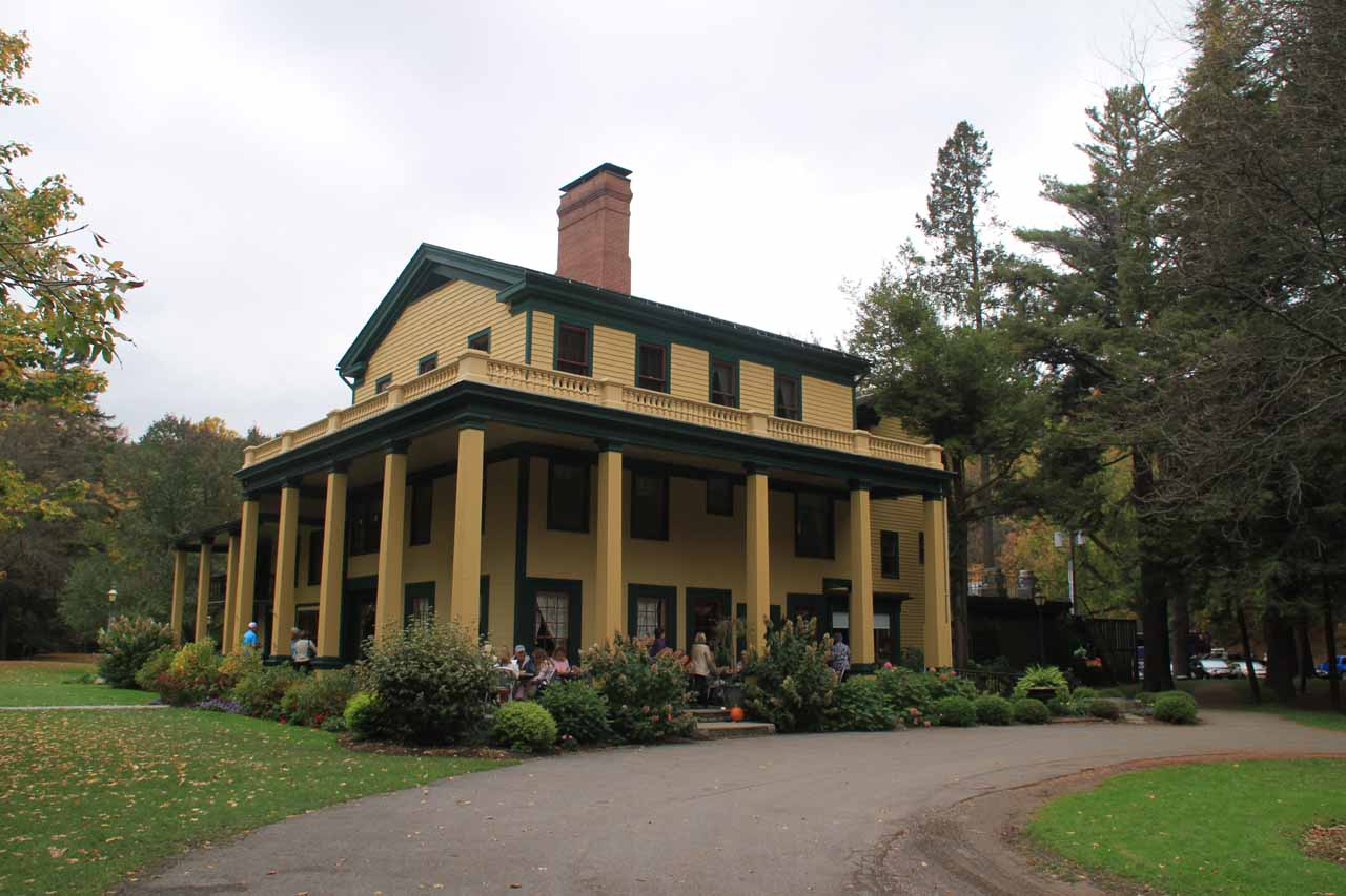 The Glen Iris Inn which also featured a lookout area for a more top down view of the Middle Falls