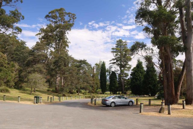 Lilydale_Falls_17_003_11232017 - The car park for the Lilydale Falls Reserve