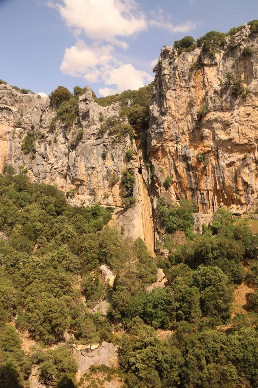 Our first look across the gorge towards the Cascada de Linarejos