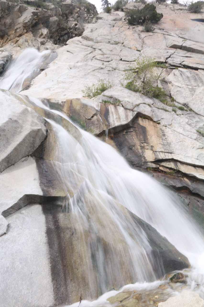 Angled look at the pair of drops of Lisa Falls