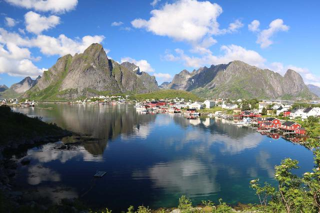 Lofoten_392_07032019 - Postcard view of Reine reflected in Reinevagen on beautiful afternoon in the Lofoten Islands