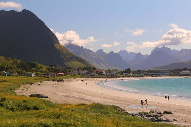 Lofoten_538_07032019 - On the way to Sørvågen, we also enjoyed some time at the Ramberg Beach, which was one of the surprise experiences of our beautiful day in the Lofoten Islands