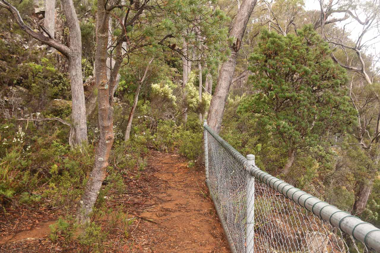 Following the fencing towards the second lookout