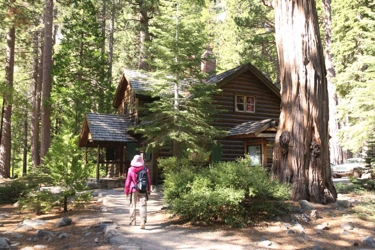 Headed towards this wooden house, which actually marked the official trailhead for the Lower Eagle Falls