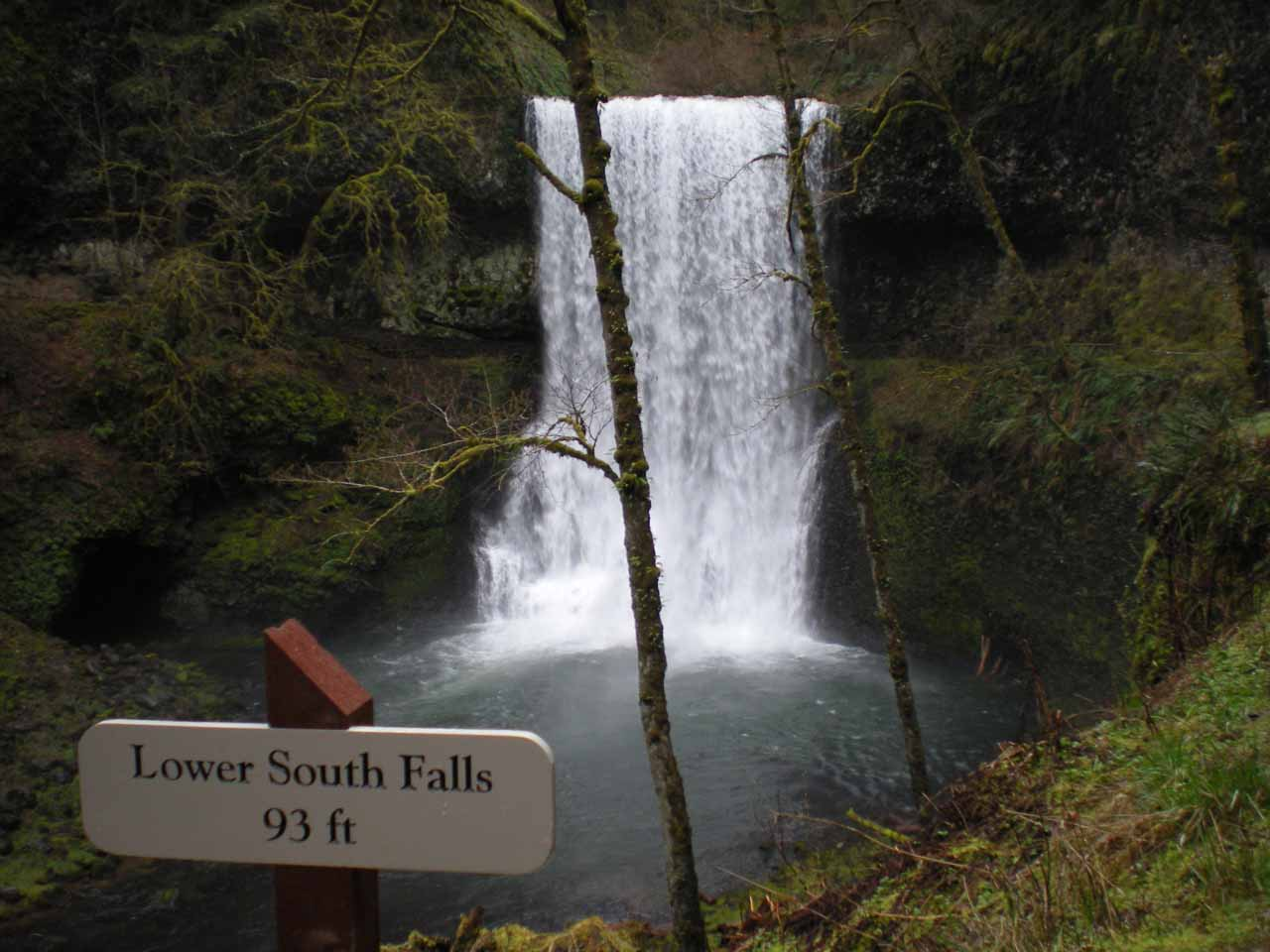 Sign fronting Lower South Falls stating its height
