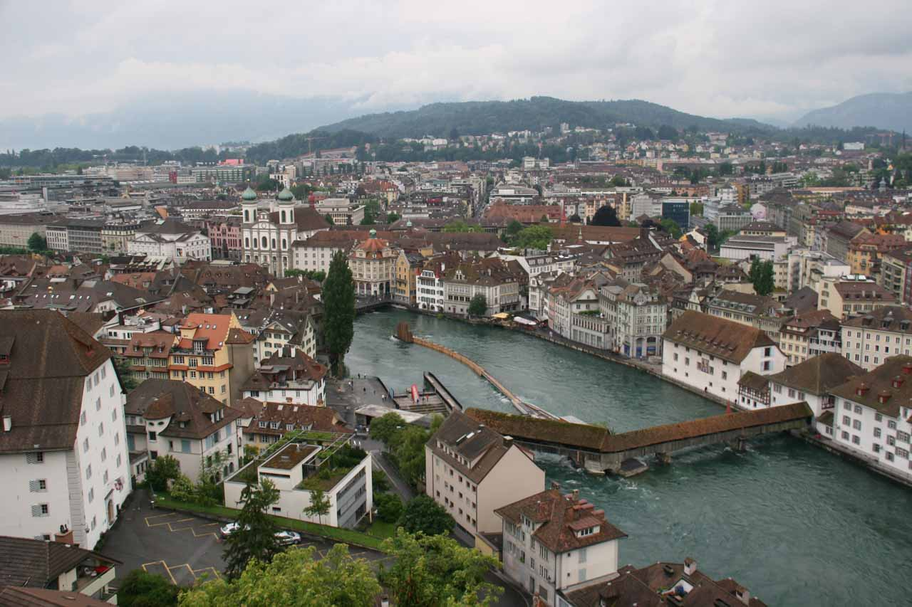 When Julie and I were headed to Zurich from Interlaken, we made a stop in the charming Lucerne (Luzern), which was nice despite the bad weather